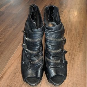 Simply Vera Vera Wang Zipper Ankle Bootie Heels